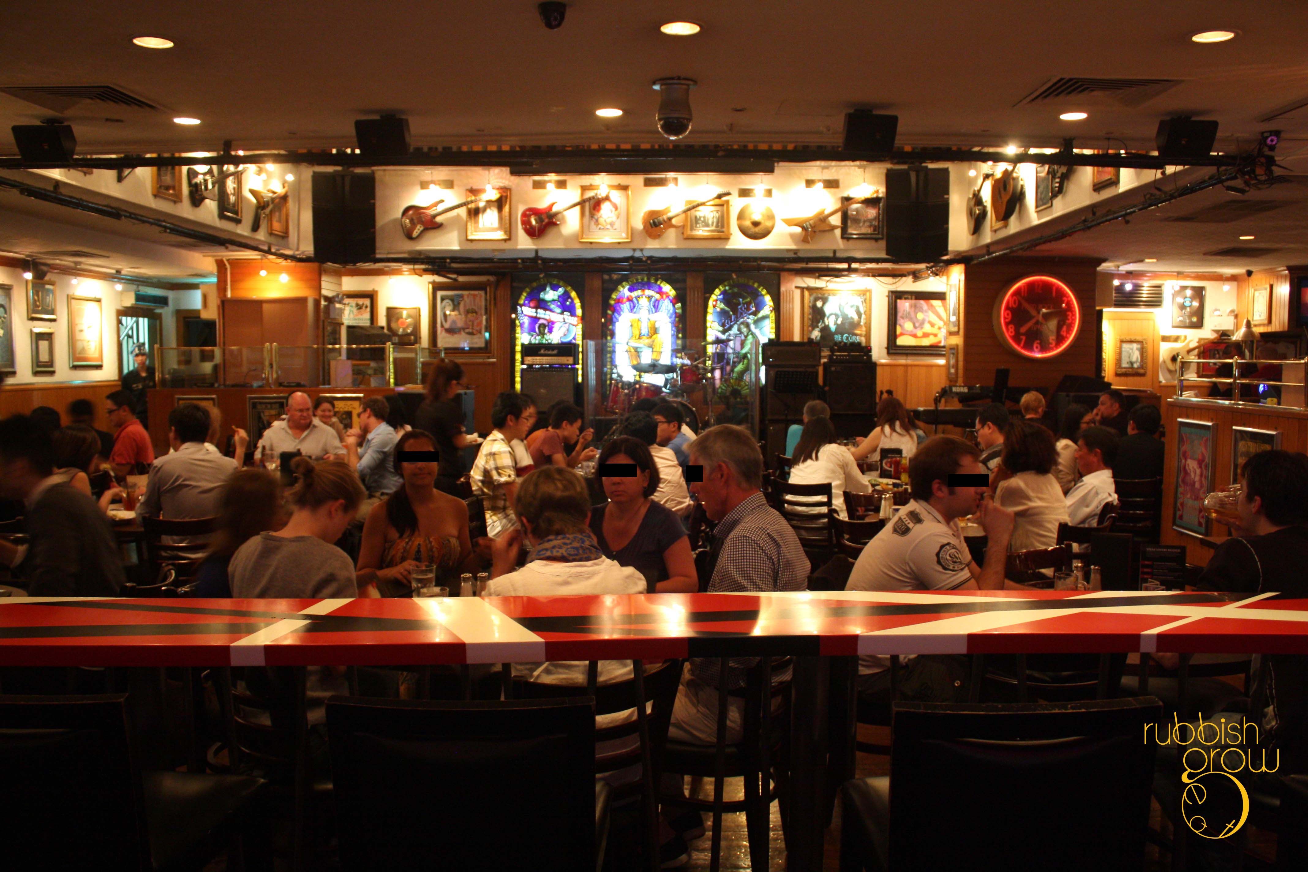 Hard Rock Cafe Orchard Singapore Rubbish Eat Rubbish Grow