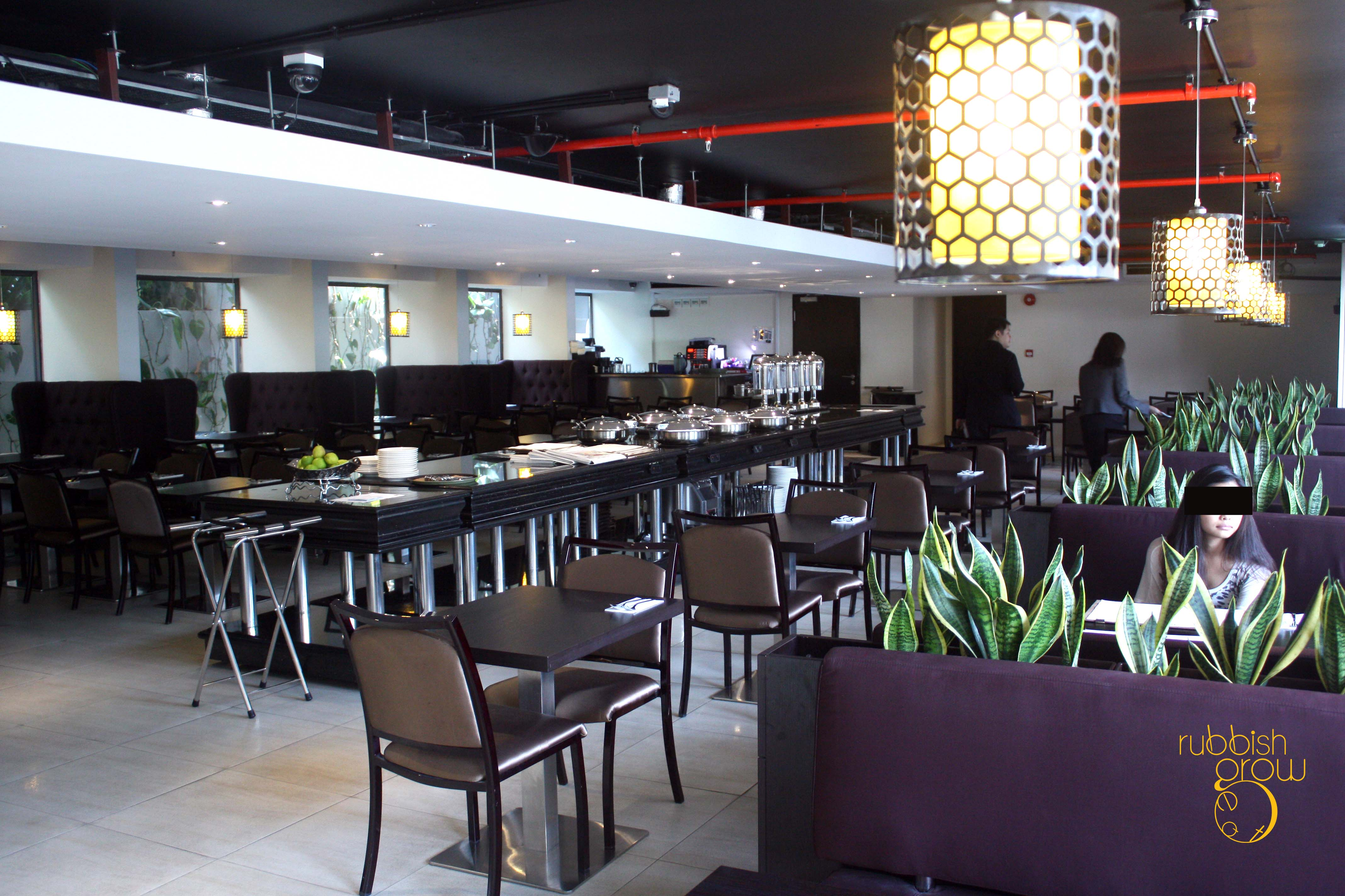 Situated On The First Floor Of Bay Hotel Just Across From VivoCity Rumah Rasa Halal Restaurant Has A Decor Wood Accented Interior With Shades