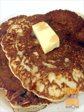 fabulous baker boy - chocolate chip pancake