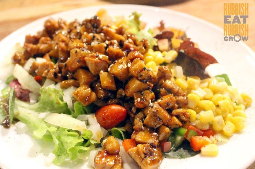 king louis grill & bar - Teriyaki Chicken Salad