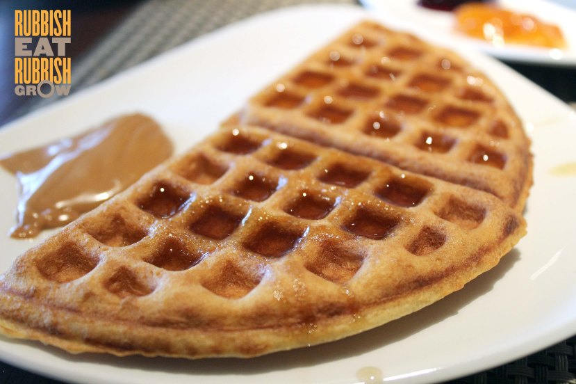 The Edge Pan Pacific - Waffles