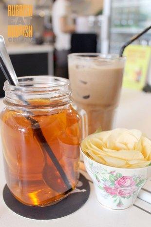 The Little Prince Cafe Somme Road - Iced Lemon Tea & Iced Mocha