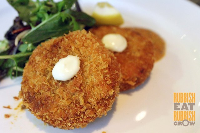 Bull and Butcher Review - Crab Cake