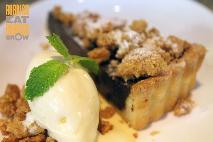 Bull & Butcher - Pear & Chocolate Crumble