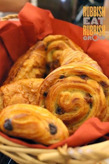 Taratata Bistrot Menu - croissant