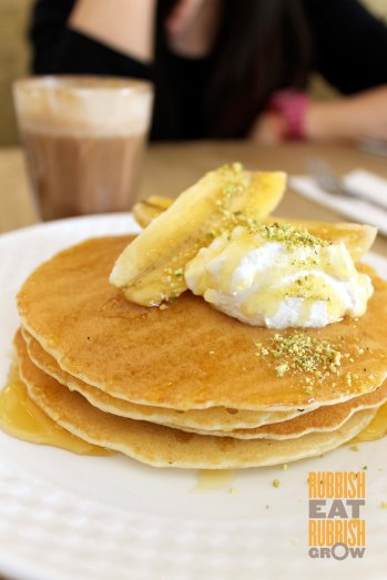 The Bravery Cafe Horne Rd - Banana Pancakes