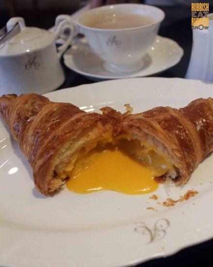 antoinette-salted-egg-yolk-croissant