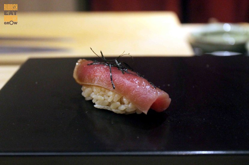 shoukouwa-smoked-tuna-sushi