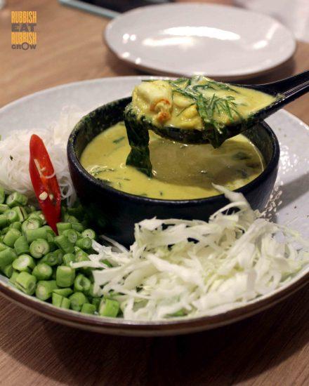 basil-thai-kitchen-keang-khua-poo