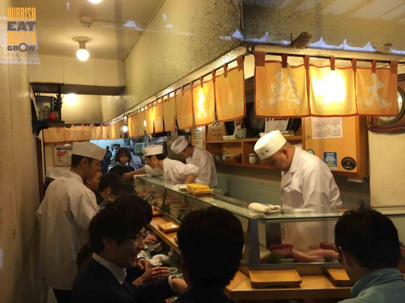 Sushi Dai VS Sushi Daiwa at Tsukiji Fish Market Tokyo: Which Is